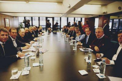 Los gobernadores se resisten a financiar las medidas para aliviar la emergencia