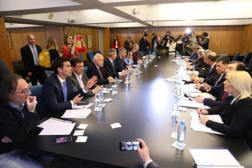 Los cuatro puntos del documento (contra el gobierno) que firmaron los gobernadores peronistas