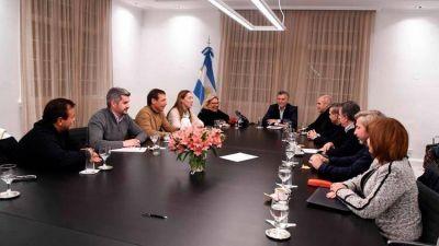 Se reavivó la interna en el oficialismo entre Elisa Carrió y Rogelio Frigerio después del debut de la Mesa de Acción Política