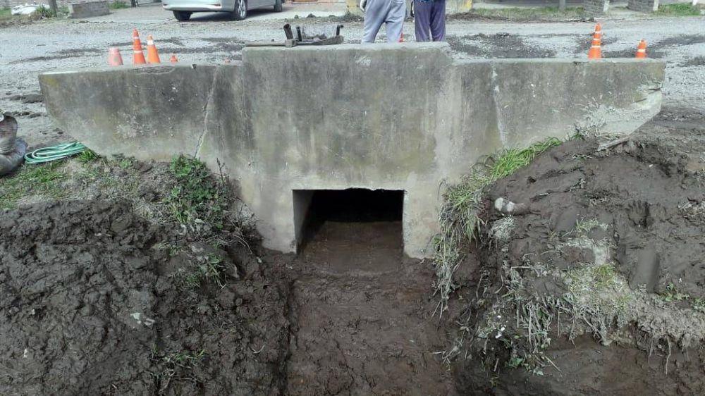Limpieza de pluviales y zanjeos en avenida 1 y 12 bis