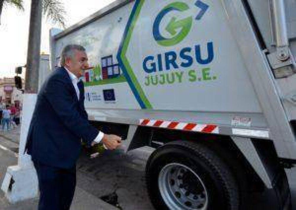 GIRSU: Entrega de camión compactador en El Carmen