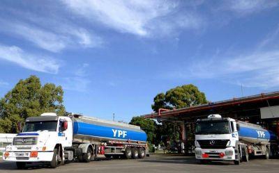 Estaciones de servicio acusan a YPF y Axion de provocar desabastecimiento de combustibles