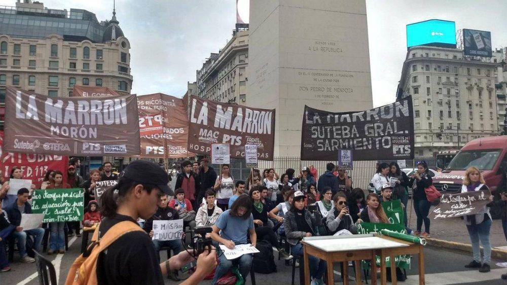 Docentes de Chubut trasladaron su protesta al Obelisco porteño