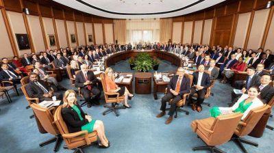 El FMI se reúne pero demora la señal política que espera el Gobierno
