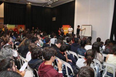 """López sobre las OMA: """"Es importante que la ciudad esté a la altura de estos certámenes"""""""