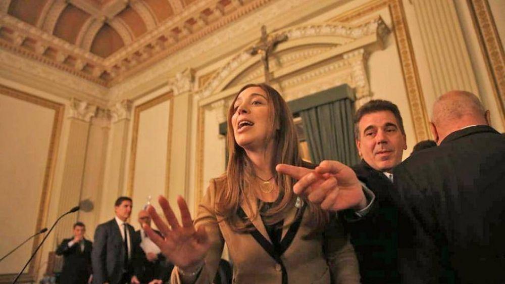 En silencio, Vidal suma paliativos para la crisis, pero congela un paquete de emergencia