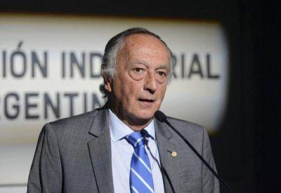 El titular de la UIA cuestionó a Macri y avaló reapertura de paritarias
