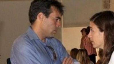 Jimena López no está en Hacienda pero tiene delegada la firma lo que le da el manejo de los números