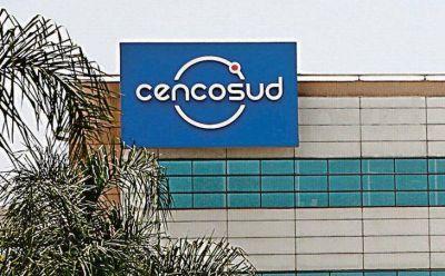 Por la crisis, Cencosud recorta el crédito a los clientes en Argentina