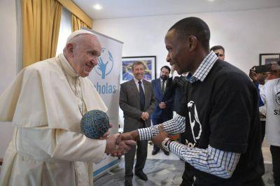 Eusebio y Mutola, ejemplos del Papa a los jóvenes en Mozambique