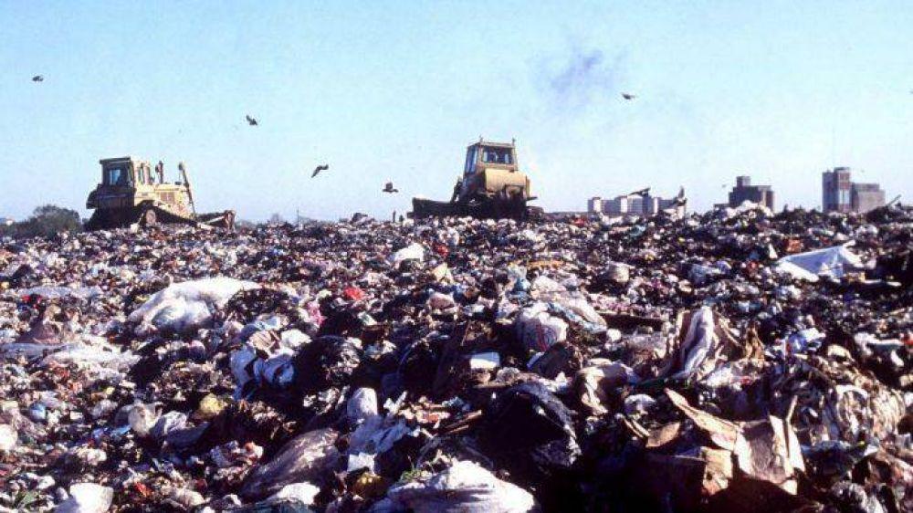 ¿Qué implica la modificación del decreto de importación de basura? Un debate con ambientalistas, cartoneros y funcionarios