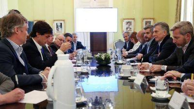 Mauricio Macri y Marcos Peña intentan inyectar optimismo, pero en el PRO ya empezó la ceremonia del adiós