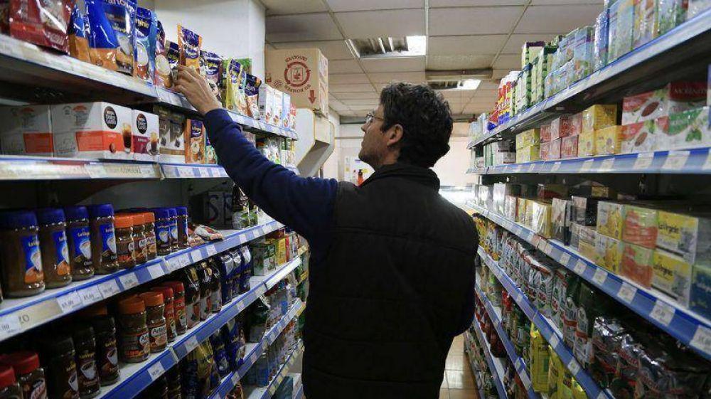 Un informe advierte que la quita de IVA ayudó solo a quienes compran en supermercados