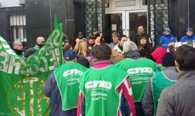 ATE anunció que se reunirá con el ejecutivo municipal pero continuará el paro