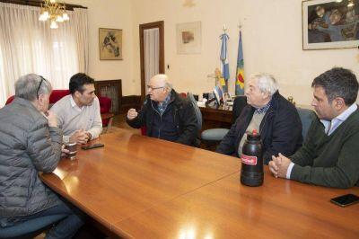 El Intendente López recibió a las autoridades de la Cámara Comercial