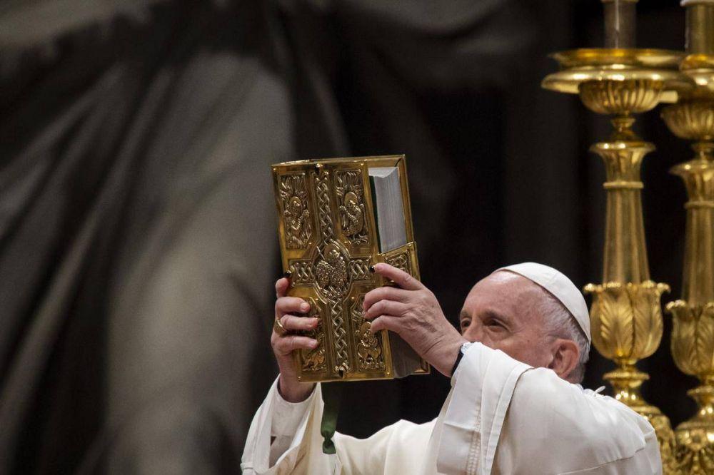 Papa Francisco: Es un suicidio separarse de la tradición
