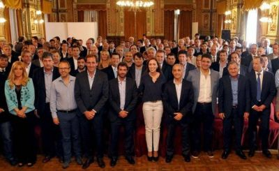 Bono en Provincia: los intendentes que se suman al plus de Vidal