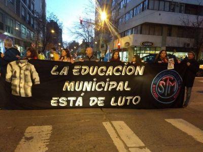 Docentes municipales se manifestaron en el centro