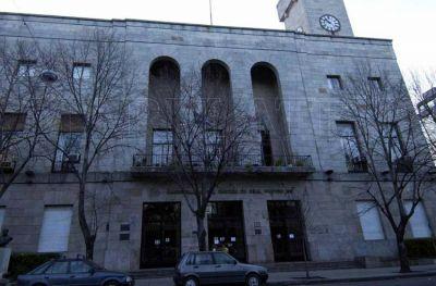 Un funcionario nombró a su propio hijo en la planta de personal municipal