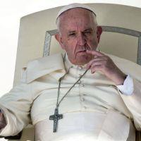 El Papa llamó a un
