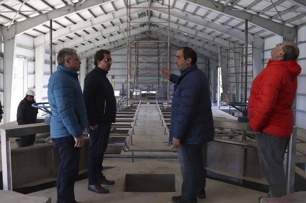 Funcionarios recorrieron el final de obra de la nueva planta de tratamiento cloacal Bahía Golondrina