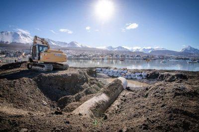Se realizan las obras de alcantarillado para el saneamiento de Bahía Encerrada