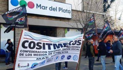 Manifestación frente a Canal 8 y Canal 10