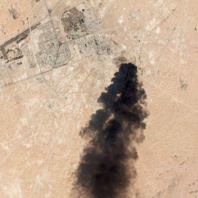 Arabia Saudita cierra la mitad de su producción tras el ataque a sus instalaciones
