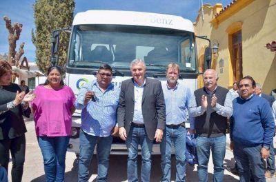 PROGRAMA GIRSU: Entregaron camión recolector de residuos en Tilcara