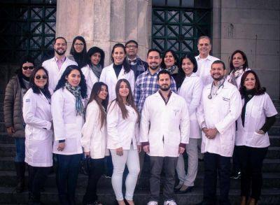 Son médicos venezolanos que llegaron a Buenos Aires a buscar trabajo pero el Gobierno los reinsertó y ahora salvan vidas en zonas rurales