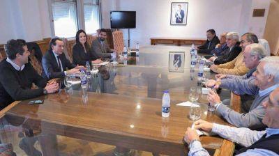 La CGT juega a dos puntas: reuniones con el Gobierno y apuesta por Fernández