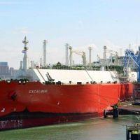 El buque Excalibur cargará GNL durante días en el Puerto de Bahía Blanca