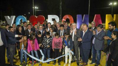 Corpacci y Gordillo inauguraron obras en el aniversario de Pománil chicos van a comedores