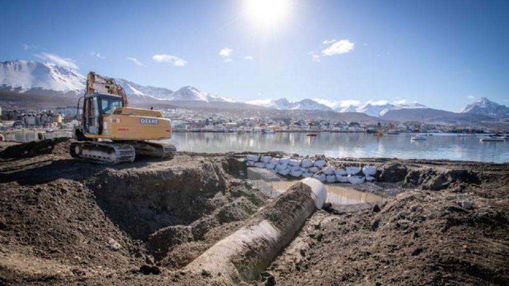 Continúan con obras de alcantarillado para saneamiento de Bahía Encerrada
