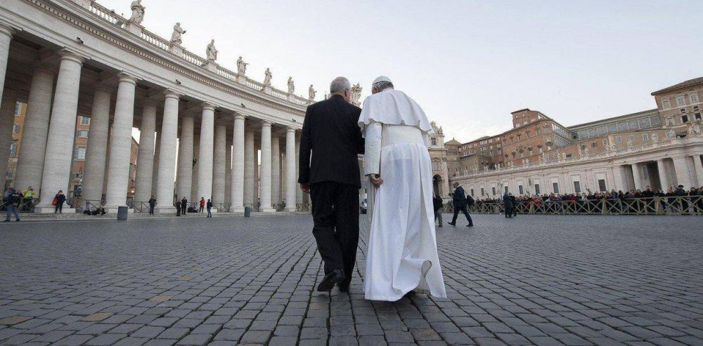 """La Fiscalía del Vaticano pidió llevar a juicio a dos curas por """"abuso sexual"""" en un seminario intramuros"""