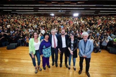 Fernández activo en la campaña porteña con elogios a Lammens:
