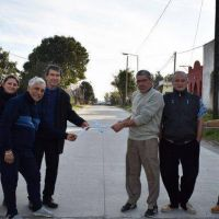 El intendente Harispe inauguró más cuadras de pavimento