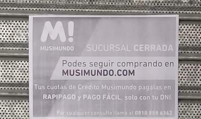 """Cierre de Musimundo en Necochea: """"la mercadería queda adentro y no la vamos a dejar retirar"""""""