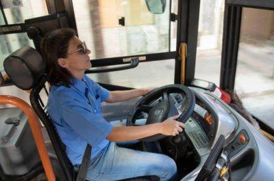 Al menos 700 mujeres se inscribieron en los cursos para conducir colectivos