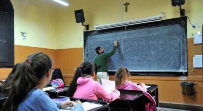 """La escuela católica debe hacer que los jóvenes se """"enamoren"""" de Jesucristo"""