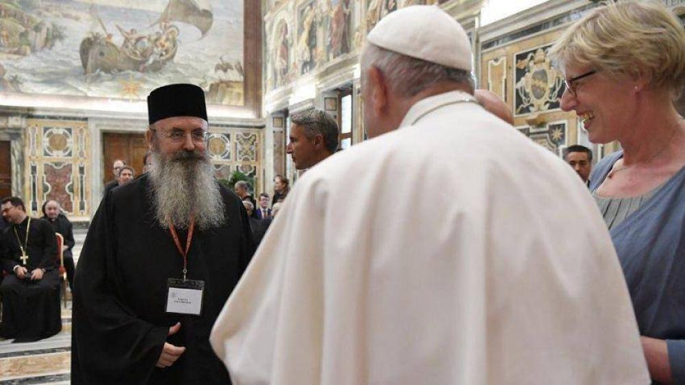 El diálogo ecuménico enriquece el derecho canónico, dijo el Papa
