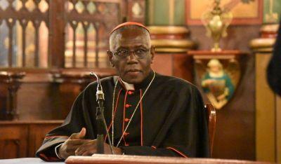 El cardenal Sarah presentará el Congreso Católicos y Vida Pública