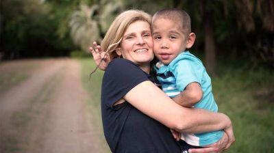 Tiene una enfermedad muy rara, lucharon para que se investigue y lo lograron: un chico argentino será el primero en probar un tratamiento