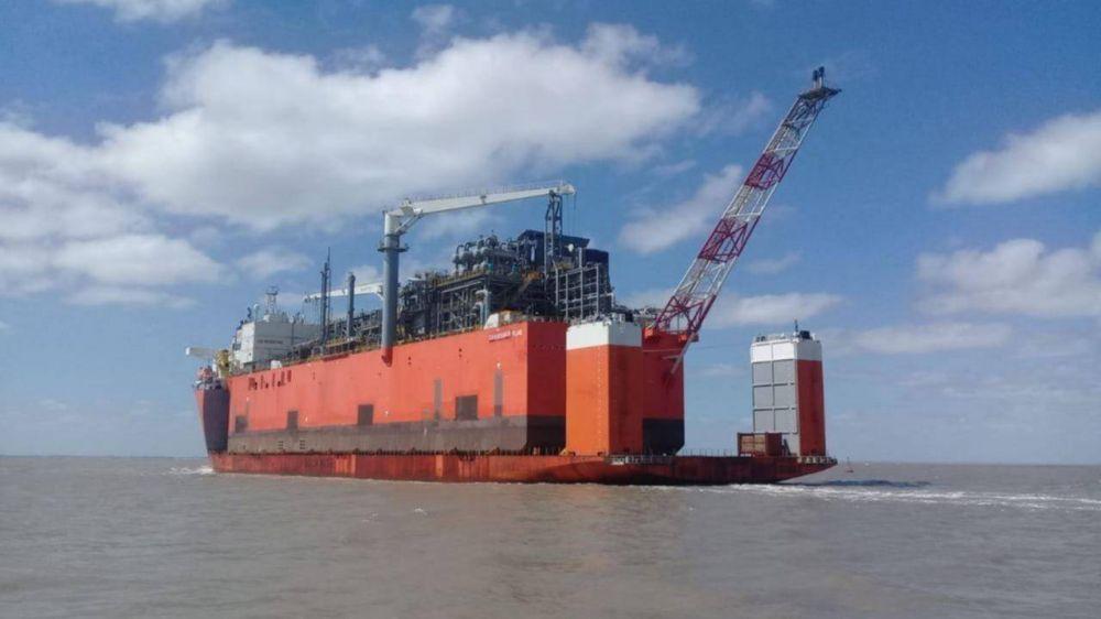 Obreros Navales se oponen a la construcción de barcazas de YPF en Paraguay