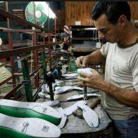 El bono de 5 mil pesos podría ser la última promesa que le falta incumplir a Macri
