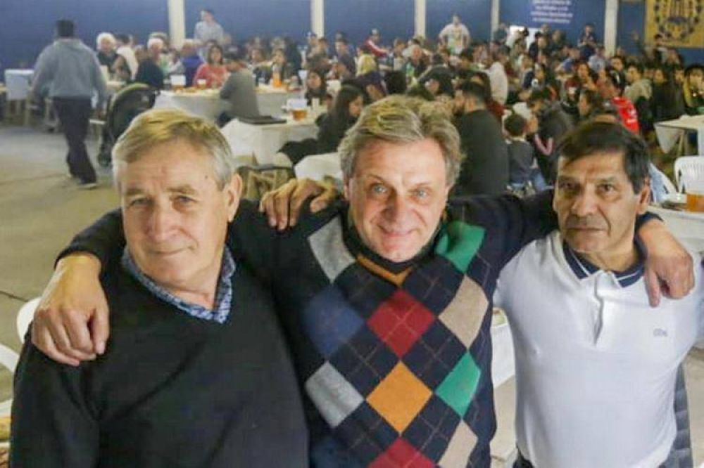 """Gustavo Pulti acompañó a los carteros en su festejo y se """"acordó"""" de Guillermo Montenegro"""