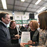 Fernando y Magui Gray compartieron almierzo con más de 1100 miembros de Centro de Jubilados