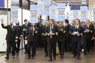 Se fracturó el sindicato de pilotos que lidera Pablo Biró