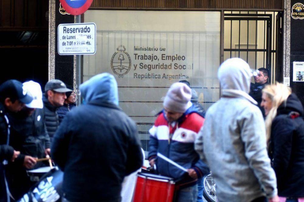 Después de cinco días, fileteros levantaron la toma de la Secretaría de Trabajo de la Nación