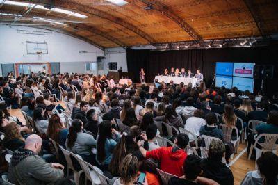 Encuentro entre candidatos y estudiantes de secundario